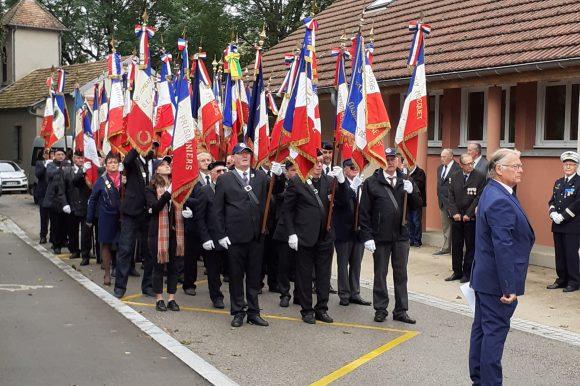 Cérémonie anniversaire à la mémoire des fusillés et déportés des groupes Guy Mocquet et Marius Vallet à Larnod