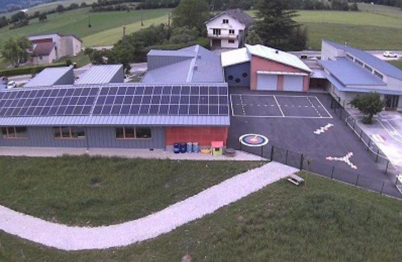 Retour sur l'inauguration de l'installation de production d'électricité de l'école de Chay